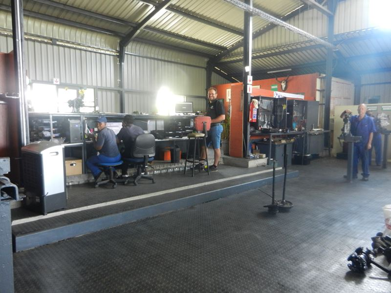 Kimberley Gearbox & Propshaft Centre Kimberley - About Us 03
